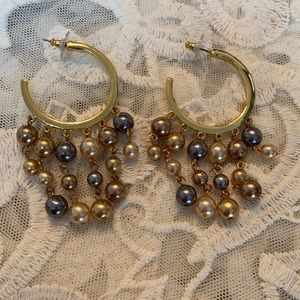 Vintage Guess drippy pearl and gold earrings